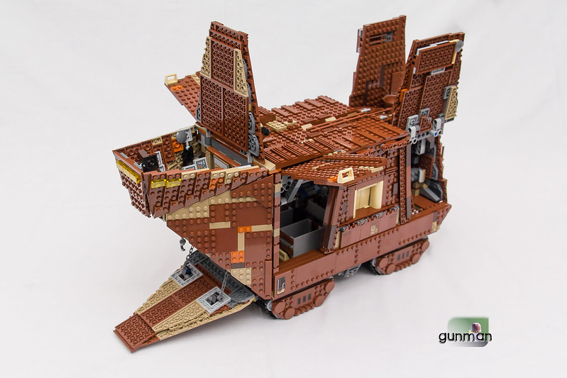 ThebrickReview:LEGO 75059-1 UCS Sandcrawler 24172711162_a589ba2cc5_c