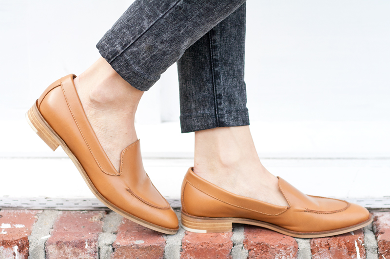 03-everlane-camel-leather-loafers-sf-style-fashion