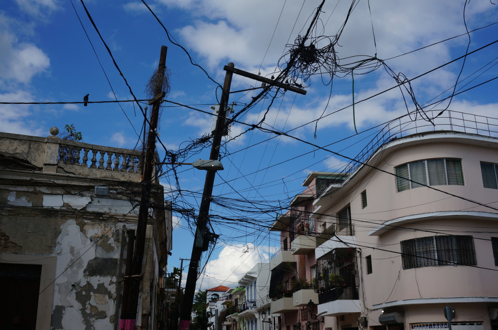 power lines in santo domingos city center