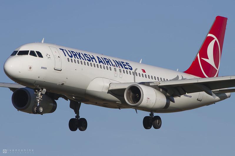 Airbus A320-232 – Turkish Airlines – TC-JPK – Brussels Airport (BRU EBBR) – 2016 01 25 – Landing RWY 25L – 01 – Copyright © 2016 Ivan Coninx