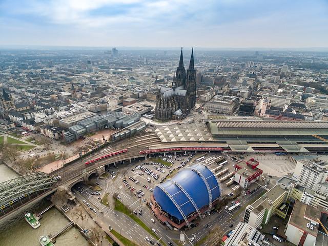 Kölner Dom Luftbild Bahnhof - cologne aerial