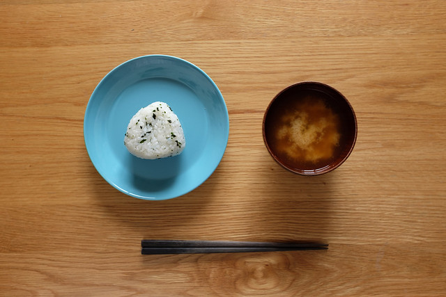 おにぎりと味噌汁 2016/03/13 X1007004