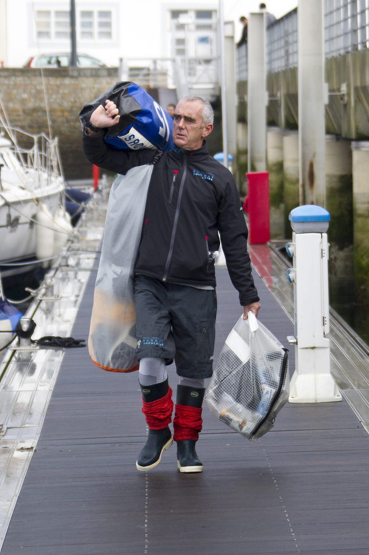 Loick Peyron - Départ de Brest Trophée Jules Verne 2011  ©B.STICHELBAUT-BPCE