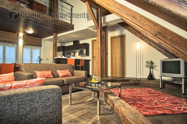 Rybna 31 Three-Bedroom  Apartment