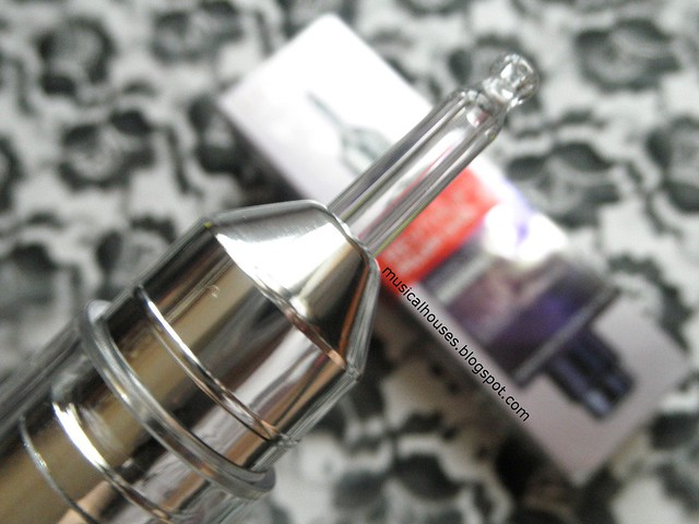 L'Oreal Revitalift Filler HA Review Essence Serum Pump