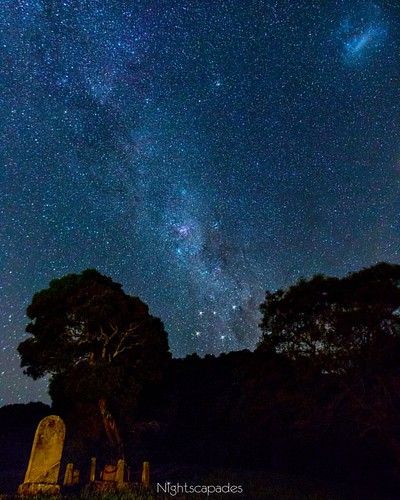 Jan 15, 2016. Sleeping cemetery under southern stars. Tonight's post is for you northern hemisphere folk who don't get to see the Southern Cross or the Magellanic Clouds. It's also for Southern Hemisphere folk who've never looked up at night or who live i