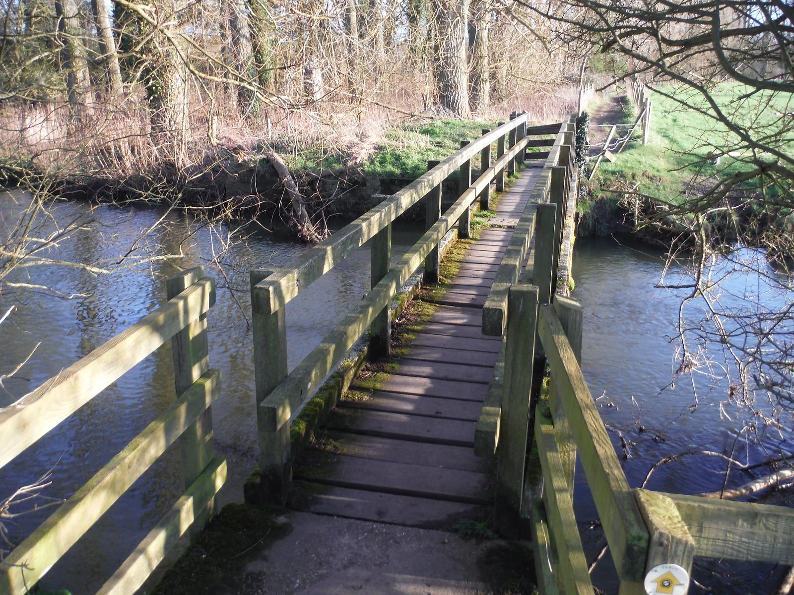 Thame Crossing, Nether Winchendon SWC Walk 191 Haddenham Circular (via Brill)
