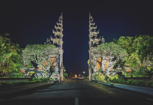 longexposure travel bali architecture night dark indonesia landscape outdoors photography amazing gate awesome traditional follow explore spiritual balinese followme travelphotography amazingview beautilful tropicalclimate architecturecollection