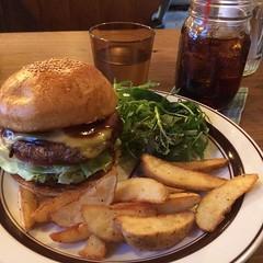 bbq cheese❤︎  #crittersburger #osaka #japan #latergram