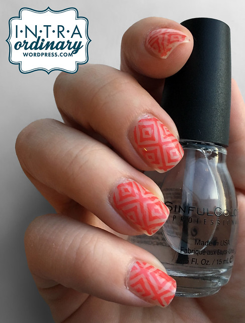 Diamond Pattern Nails