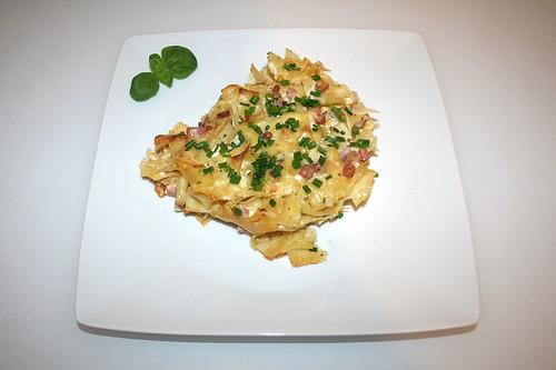 35 - Bohemian ham pasta bake - Served / Böhmische Schinkenfleckerl - Serviert