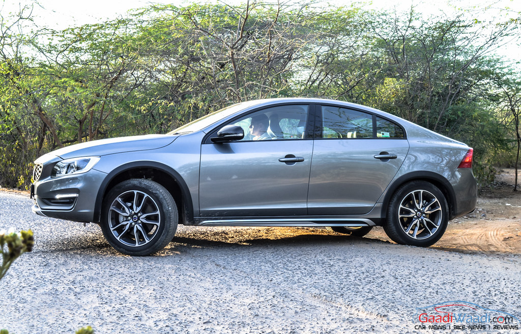 Volvo S60 Cross Country review india-9