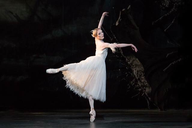 Sarah Lamb in Giselle © ROH 2016. Photographer Bill Cooper