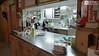 Pohled do kuchyně.