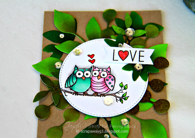 Love owl card flat closeup