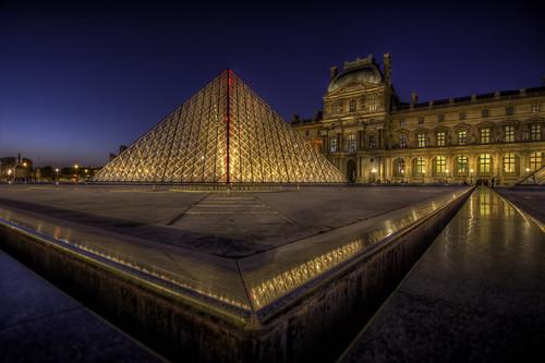 Paris n°21 - la nuit du Louvre