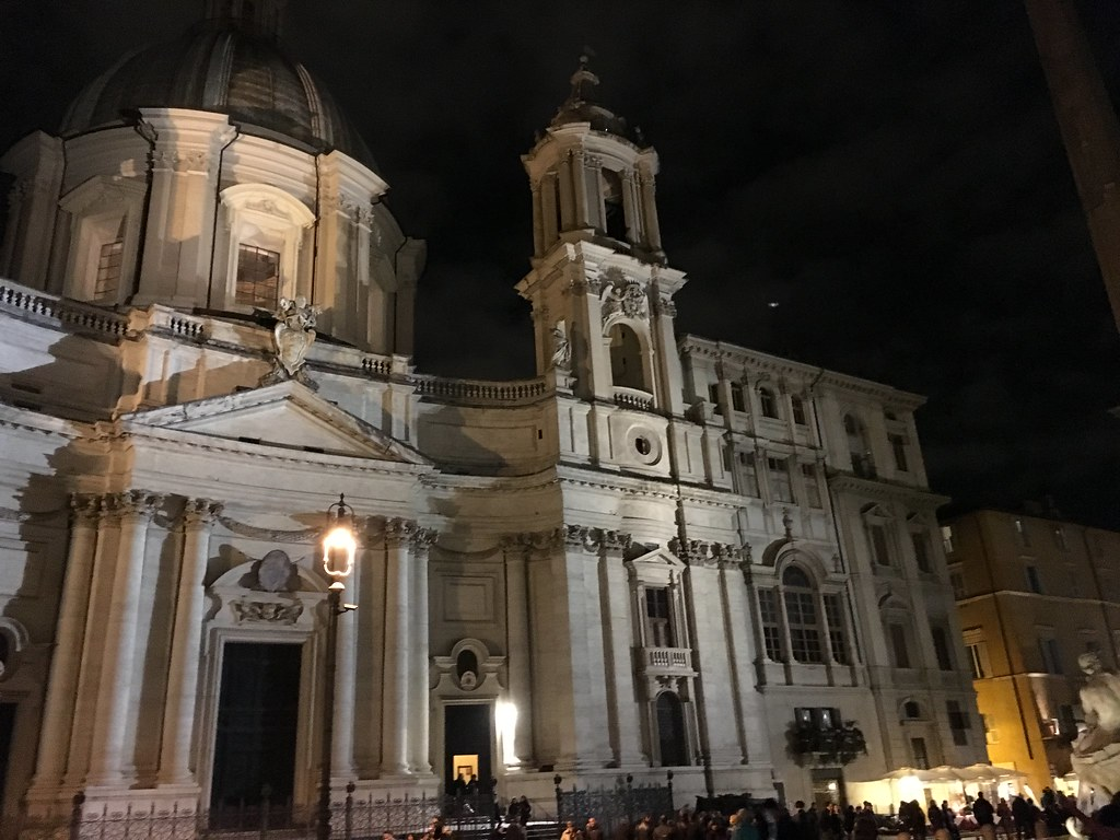 Piazza Navona at night - Rome weekend break: ideas for a romantic getaway