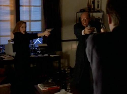 The X-Files - S03 - Paper Clip - 1