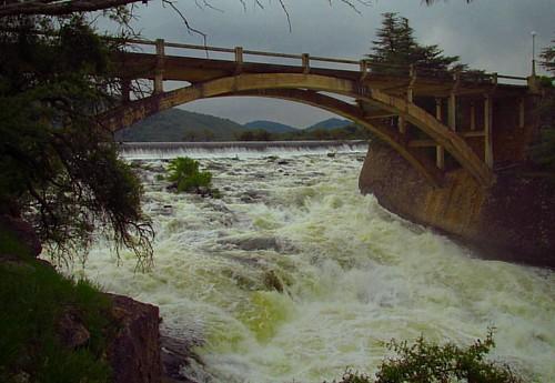 El vertedero hoy! #vertedero #waterfall #water #agua #sol #lago #rio #relax #paz #river #lake #sun #summer #peace #villasegundausina #sierrasdecordoba #cordoba #cordobaarg #cordobaargentina #embalse