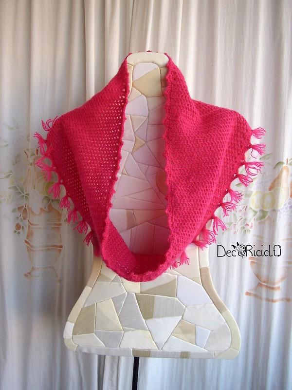sciarpa ad anello fuxia con frange 2