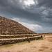 Circular Pyramid Mexico por Arturo Plauchu