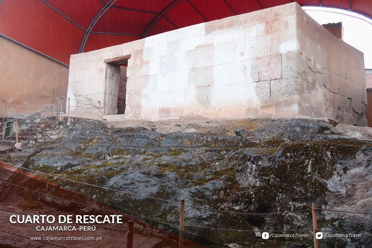 Se trata del recinto donde el Inca Atahualpa llenó de oro y plata para lograr su libertad.