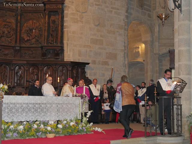 Bendición e imposición de medallas de la Cofradía de San Jorge