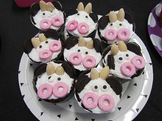 Save A Cow Cupcakes