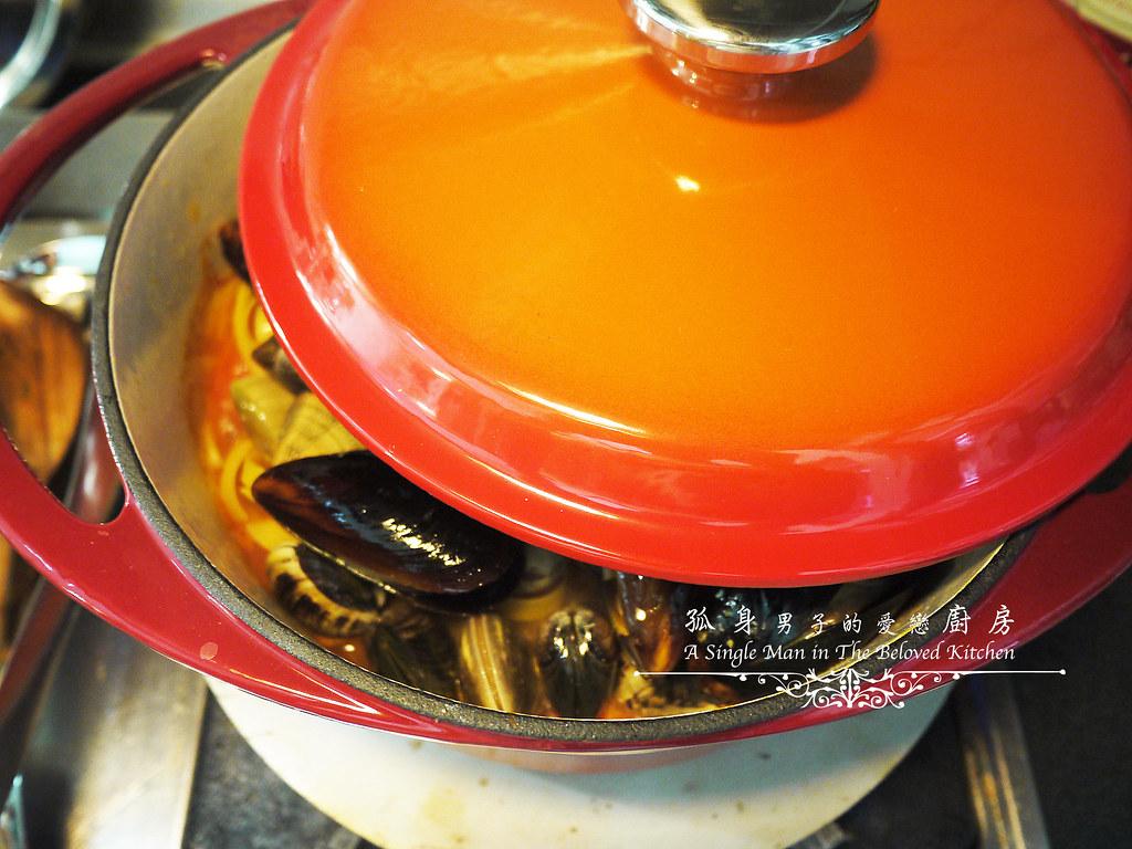孤身廚房-寶迪鍋一鍋到底茄汁綜合貝類義大利麵佐烤天使紅蝦與櫛瓜22
