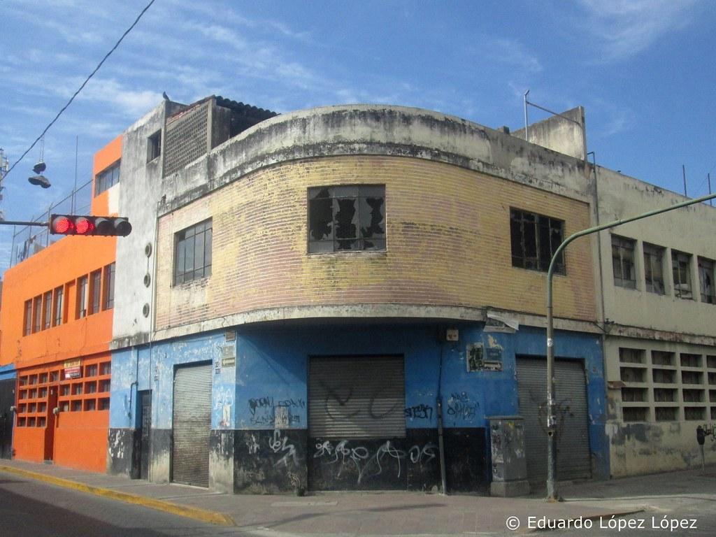 Por la calle Miguel Blanco