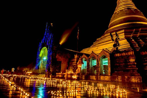 Life is like a candle. have a time limit and the light illuminates the darkness of our hearts. #quote #poem #buddha #buddhisttemple #pagoda #pagoda #buddist #all_shots #traveltheworld #travel #trip #light #candle #bestoftheday #photooftheday #pictureofthe