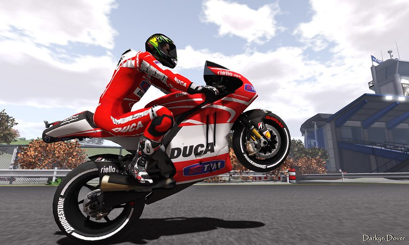 BCR Duca suit-1