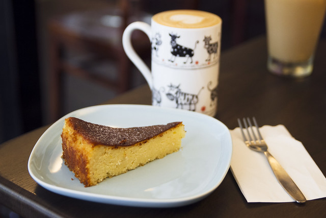 Cake and latte at Cafe Kuroshio
