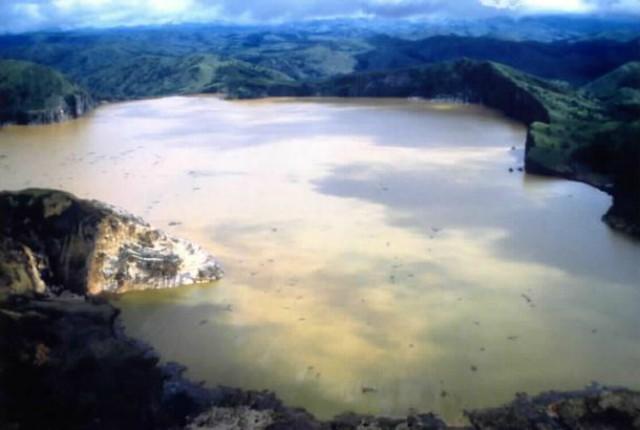 Lake_nyos3