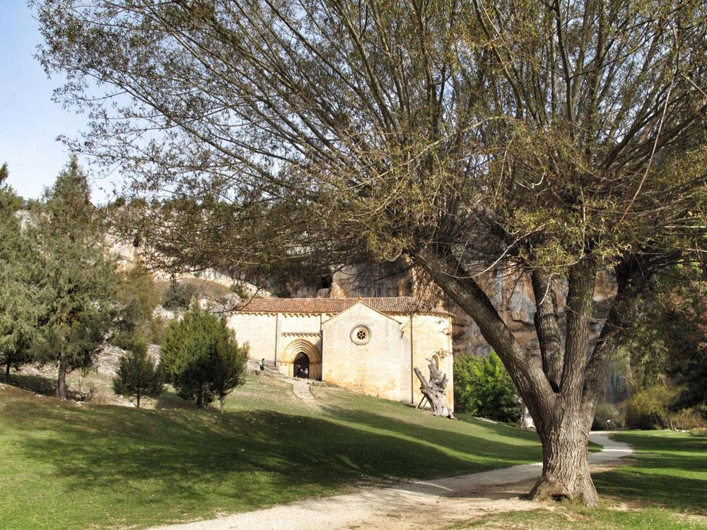 ermita san bartolomé_ciclisto_ruta_btt_patrimonio_arquitectura_ucero