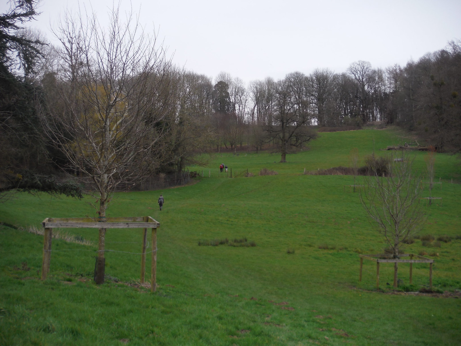 Midgham Park SWC Walk 260 Aldermaston to Woolhampton [Midgham Station] (via Frilsham)