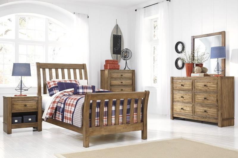 kids-bedroom-light-brown-furniture-5