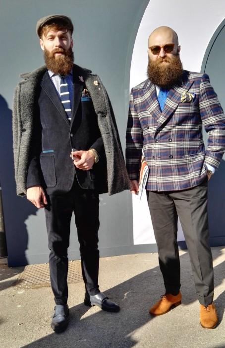 紺ベロアスーツ×紺ダブルモンクストラップ&チェックダブルジャケット×グレースラックス×キャメルオックスフォードシューズ
