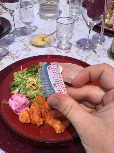 Christmas crackers now featuring practice household items. #mildyinteresting
