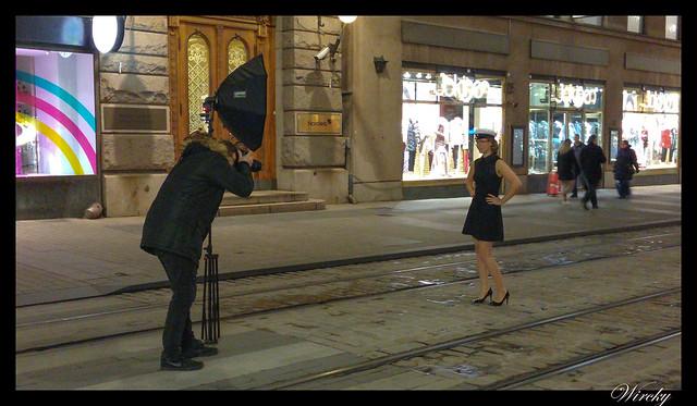 Laponia viaje Madrid Helsinki - Modelo en las calles de Helsinki