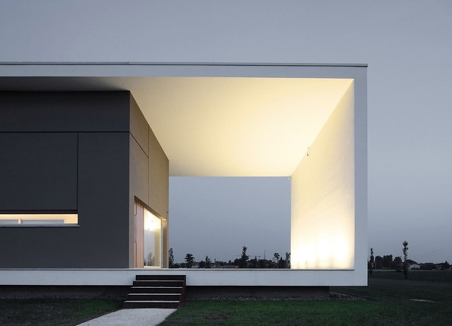 160323_House_on_the_Stream_Morella_03__r