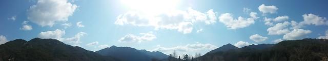 구름 강아지 | 시골집 풍경
