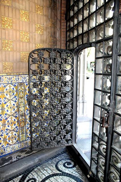 Visita al Palau del Baró de Quadras
