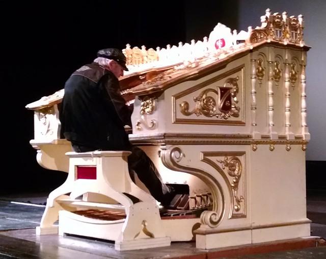IMG_20151114_093138206-001 Santa Barbara Arlington Theatre Organ Society