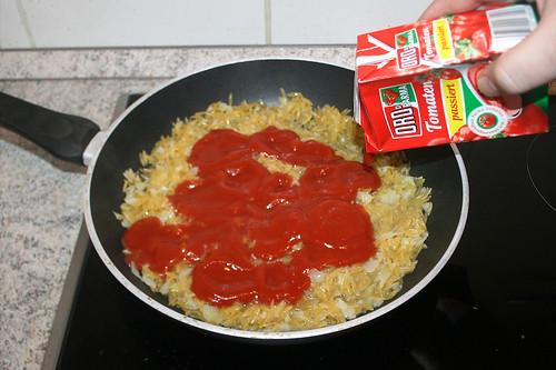 49 - Passierte Tomaten hinzufügen / Add sieved tomatoes