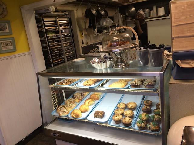 日, 2016-03-20 09:30 - Dixie Supply Bakery & Cafe