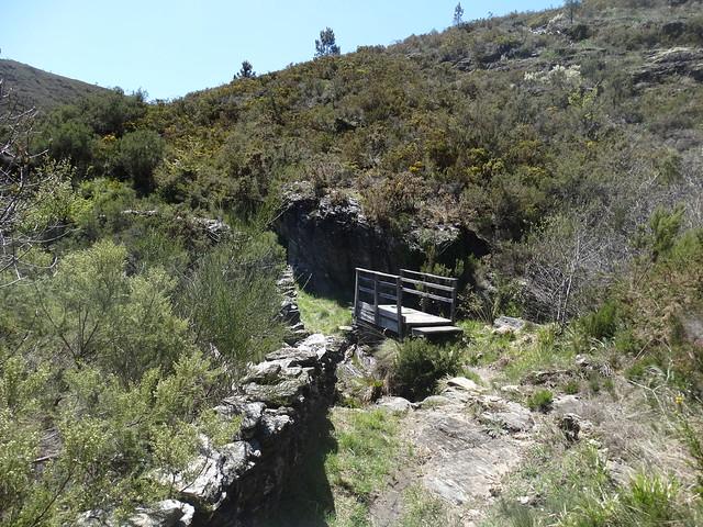 Puente en el PR-G 188 Sendeiro de Zobra