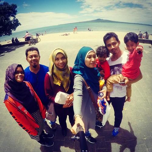 Musim panas tepi laut 🏄🏊🚣  #family #kids #love #happy #4OfUs #cousins #travel #familytravel #travelwithkids #conquertheworld #mytravelgram #tour #explore #exploreeverything #explorenz  #Move2NZ #JomNZ #NZMustDo #GoPro #GoProNZ #beac