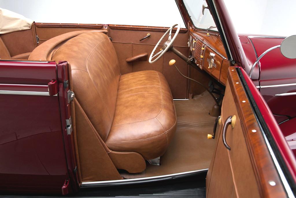 39017_M Ford Deluxe 221CI Flathead V8 3SPD Convertible Sedan_Burgundy