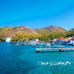 Ti Péyi Paradis #lesSaintes #Guadeloupe #cielbleu #port #paradise #iloveguadeloupe #guadeloupematerrehappy #jaimelafrance #ig_caribbean #ig_guadeloupe #positivevibes #ambassadeursjaimelafrance #promoguadeloupe #plonger #rever #vibrer #apprecier #peyilabel